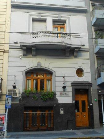 Le Vitral Baires boutique hotel: Vista do outro lado da rua