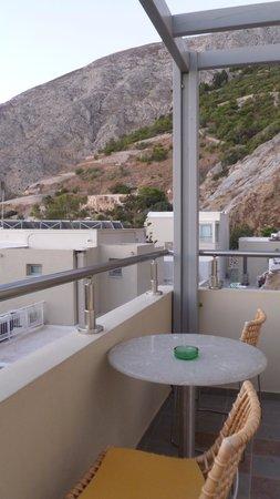 Antinea Suites Hotel & Spa: terrasje