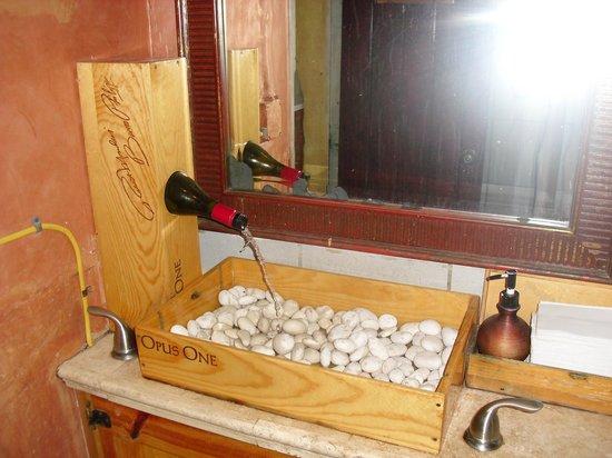 Pesce Italian: ladies room