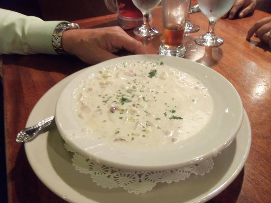 Annabelle's Famous Keg and Chowder House: clam chowder
