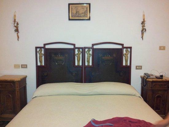 Lago Park Hotel: letto