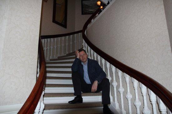 Steens Hotel: Лестница...