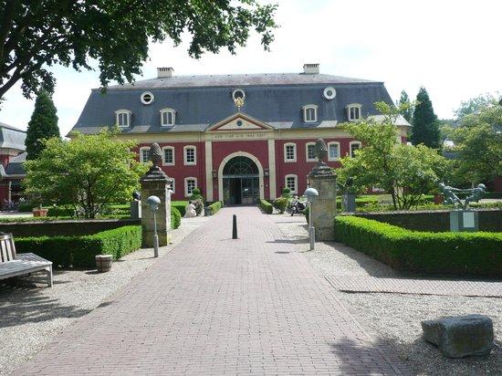 Chateau St. Gerlach : Reception