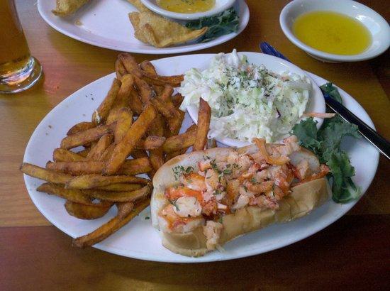 Kelly's Landing : Lobster Roll