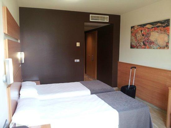 Hotel SB Express Tarragona : Double room