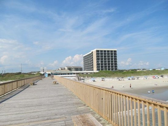 DoubleTree by Hilton Hotel Atlantic Beach Oceanfront: View of the hotel from the pier