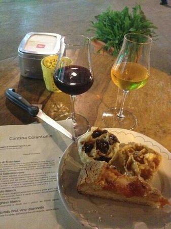 Cantina di Colantonio: assaggio di dolci tipici