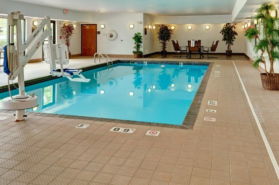 Hampton Inn Manhattan: Indoor Pool Area