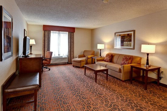 Hampton Inn Manhattan: Suite Living Room Area