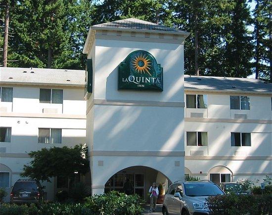 La Quinta Inn & Suites Olympia - Lacey: Front entrance