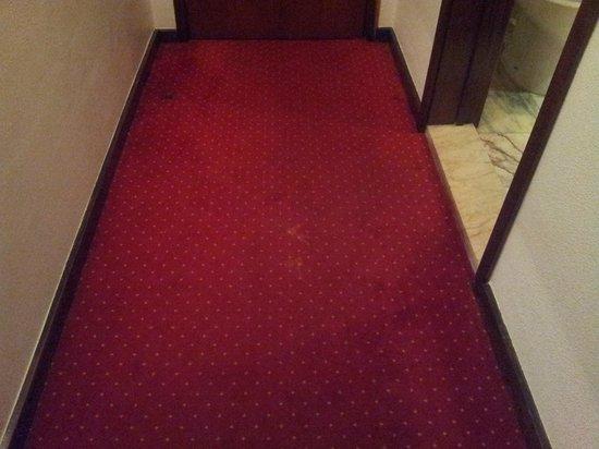 Belver Beta Porto Hotel: moquette chambre