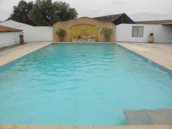 Hotel de Cacharel : La Piscine