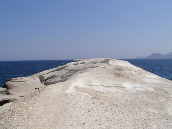 Sarakiniko Beach : ΟΜΟΡΦΟ