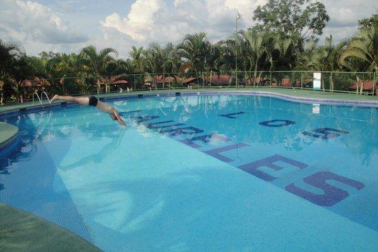 Termales Los Laureles: jump in and enjoy