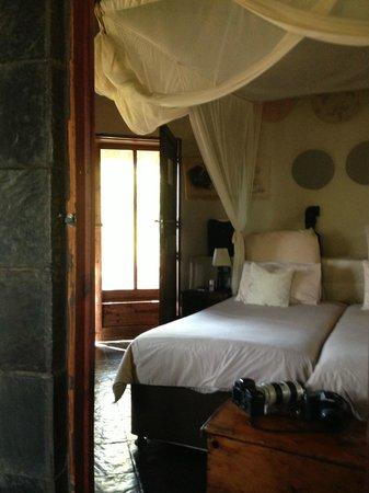 Ezulwini Game Lodges: Inside our rondavel