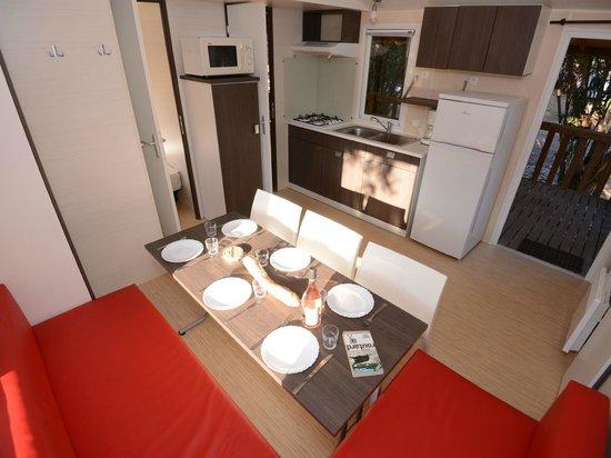 Camping La Vetta : 3-bedroom mobil home (Olivier). Mobil home 3 chambres (Olivier).