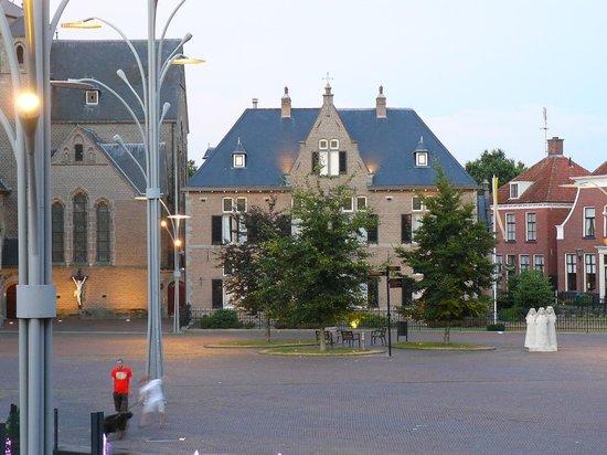 Hotel De Schout : uitzicht bij schemering