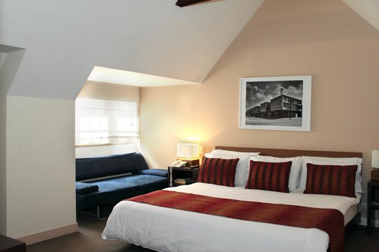 The Book Hotel: Standard Room