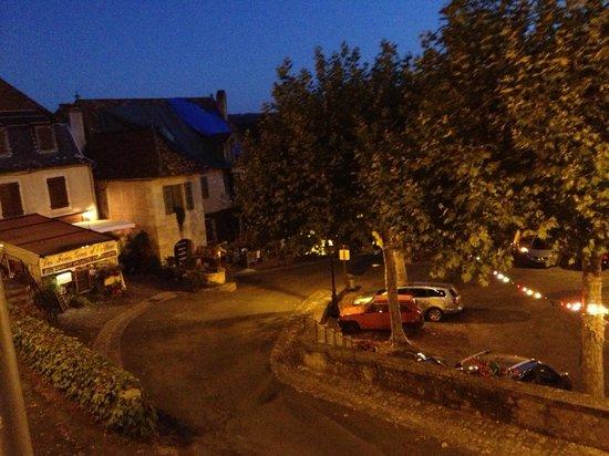 La Table d'Erillac: Hautefort at night