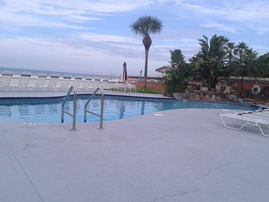 Long Key Beach Resort & Motel: Pool.