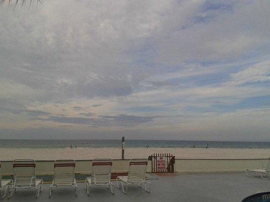 Long Key Beach Resort & Motel: Beach&Sky