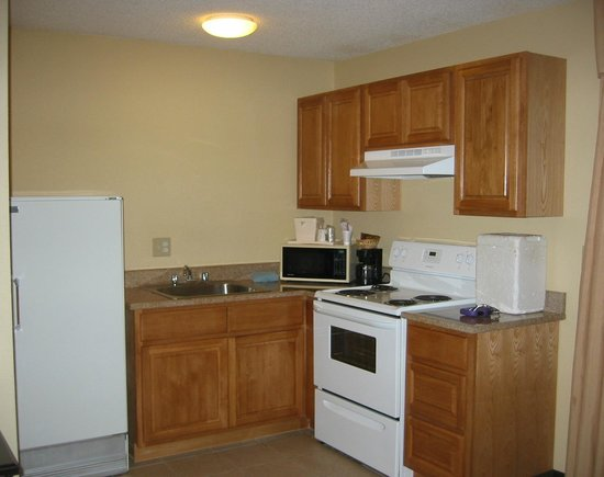 Quality Inn & Suites: Full kitchen, very nice