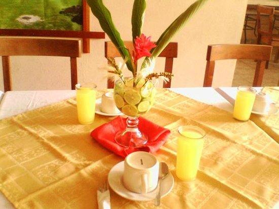 HOTEL SABANA: Desayunos a Grupos