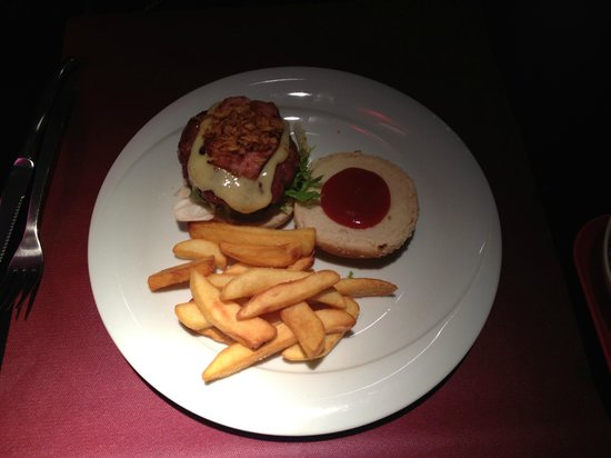 Mind the Gap: Traditional veal burger topped with cheese and bacon