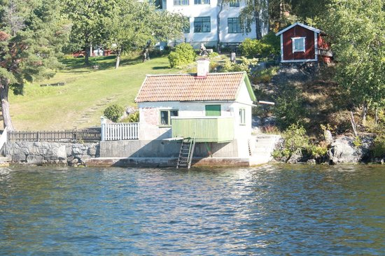 Birka and Hovgarden: House on island