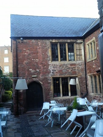 ASK Italian - Exeter : The view through the archway - a handsome restaurant
