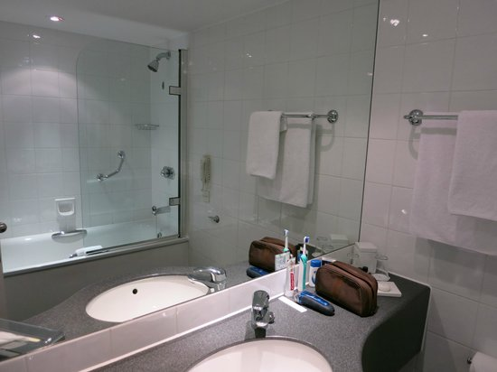 Clean well designed bathroom picture of sofitel london for Well designed bathrooms