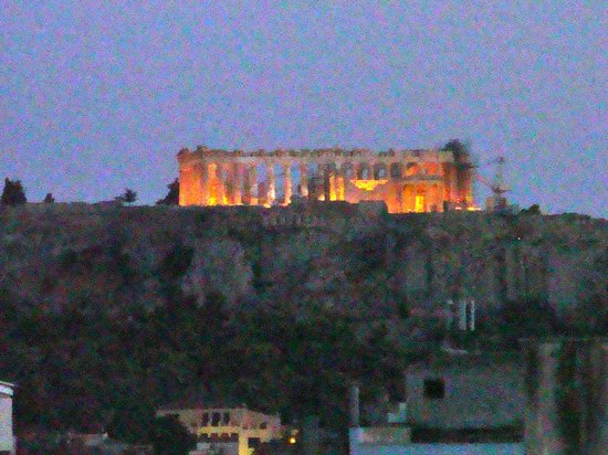 Fresh Hotel: View of the Acropolis from the pool area