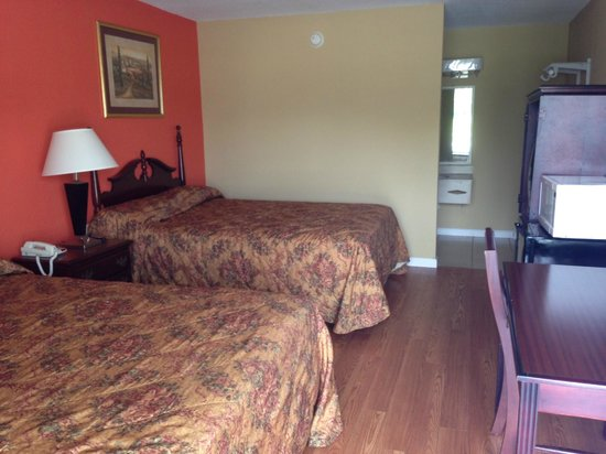 Econo Lodge: Double Bed New Room