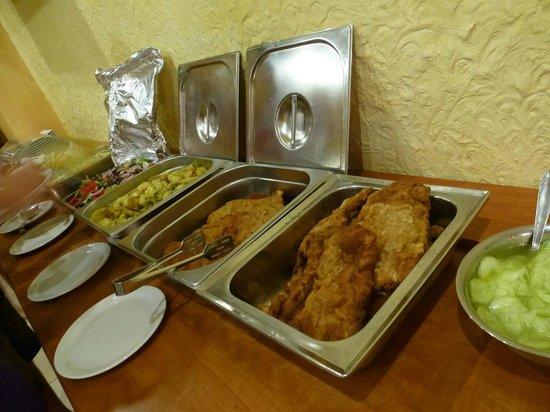 Arkadia Hotel: Wiener schnitzel evening at Arkadia