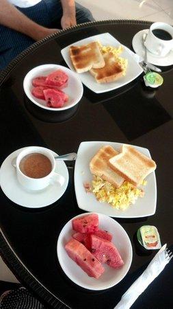 Hotel Lee: The rooftop breakfast