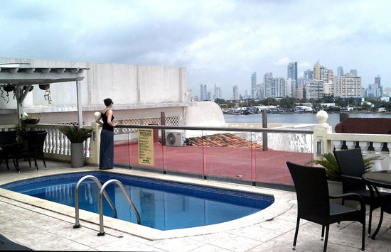 Hotel Lee: The rooftop pool.