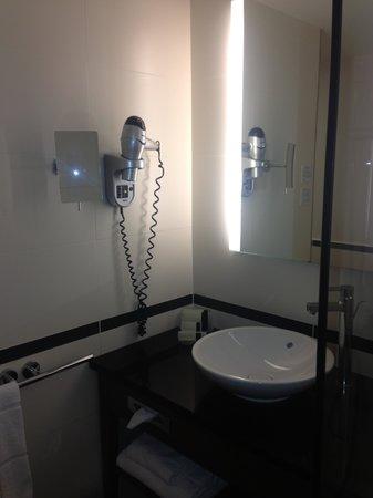 Crowne Plaza Montpellier - Corum: Bathroom