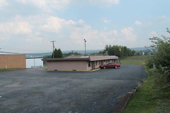 Dunmore Inn : motel view
