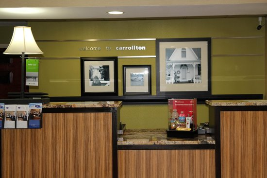 Hampton Inn Carrollton: Front Desk Area