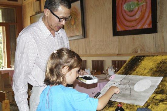 Artist Alley Restaurant: Art lesson at the New Art Cafe