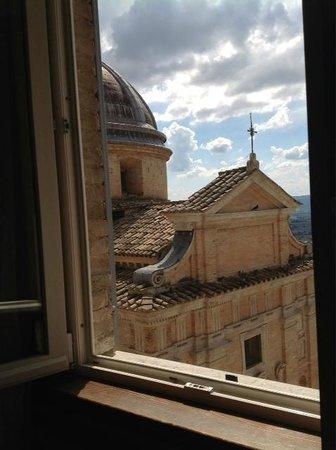 Hotel Alexander: room view