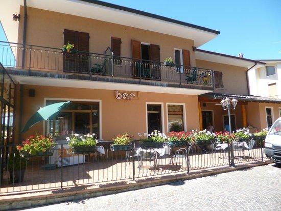 Hotel Ristorante Pizzeria Bar Miramonti: Centralissimo