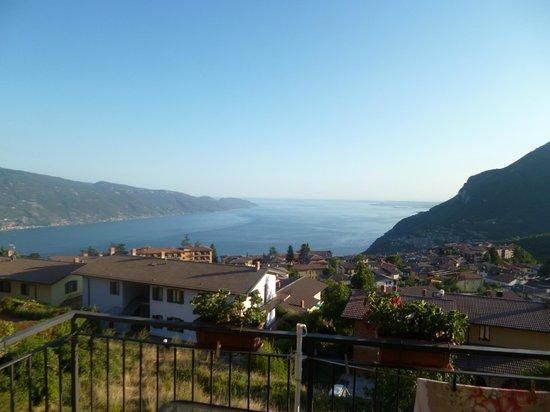 Hotel Ristorante Pizzeria Bar Miramonti: Il lago delle meraviglie