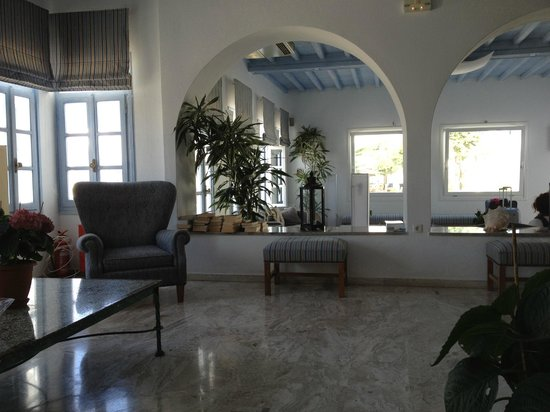 Poseidon Hotel - Suites: Lobby