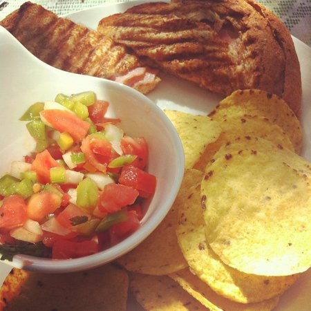Cafe Pichilingue: Grilled cheese and salsa!