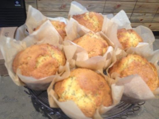 Brown Bear Baking: The freshest poppy seed muffins
