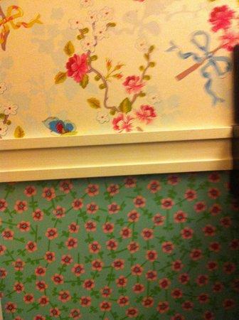 Hotel Recamier : papier peint trop joli !
