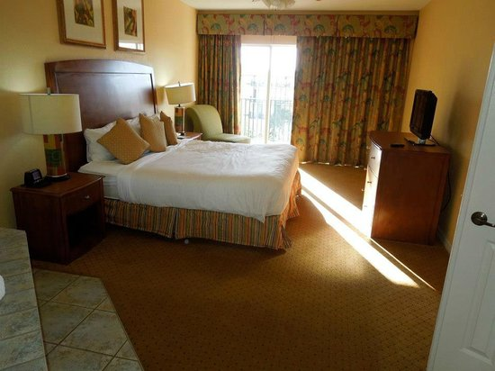 Wyndham Palm-Aire: King size bed, in the one bedroom