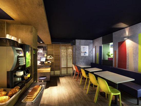 Ibis Budget Cannes Mouans Sartoux : Bar