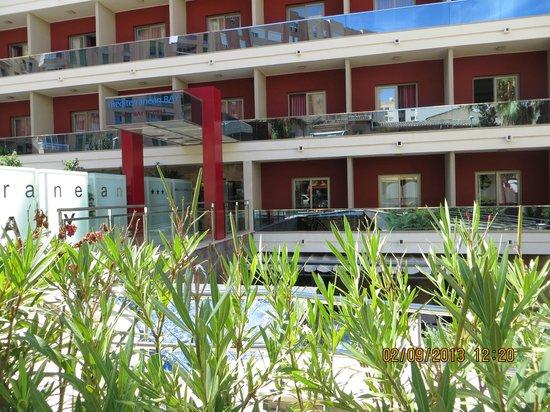 Mediterranean Bay Hotel : Fachada Hotel